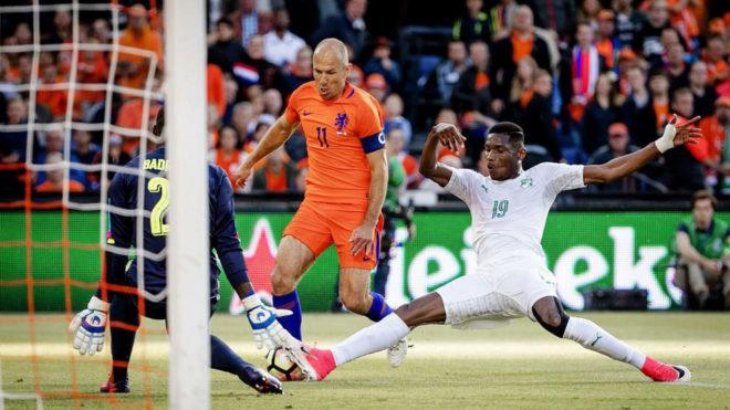 Robben, en un lance del partido ante Costa de Marfil.
