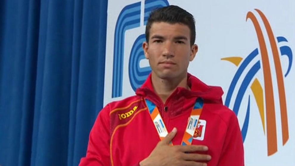 Adel Mechaal, el pasado marzo tras ganar el 3.000 del Europeo indoor.