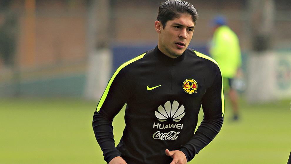 Javier Güemez durante un entrenamiento del América.