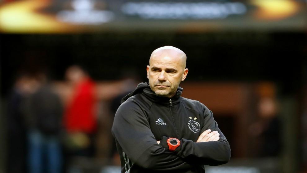 Peter Bosz, nuevo entrenador del Borussia