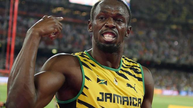 Bolt celebra su triunfo en los 100 metros del Mundial de Pekín.