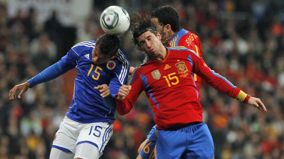 Lance del partido entre España y Colombia disputado en 2011.