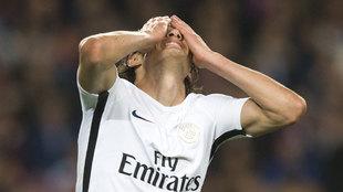 Cavani durante el partido de Champions contra el Barcelona