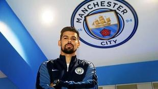 Nolito en el estadio del Manchester City.