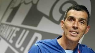 Juan Ramón López Muñiz, durante una entrevista con Marca