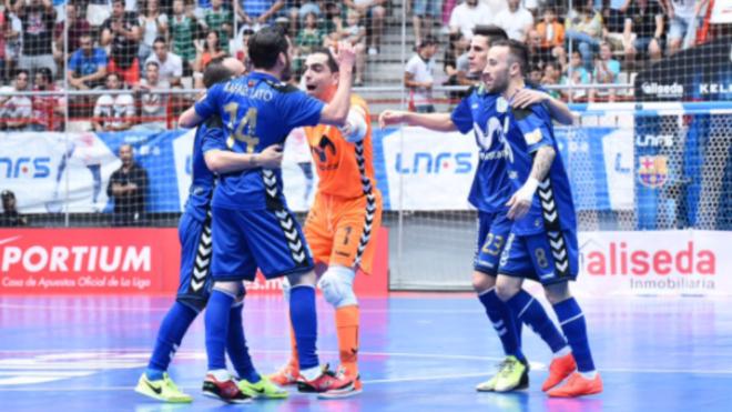 Los jugadores del Movistar Inter celebran el primero de los goles.