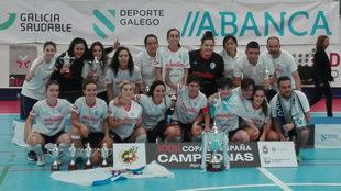 El Ourense Envialia celebra el título de Copa.