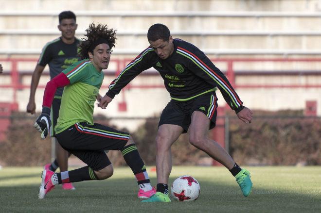 Chicharito y Ochoa se unen a la causa.
