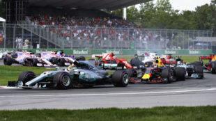Momento en el que Verstappen pasa a Vettel en la salida.