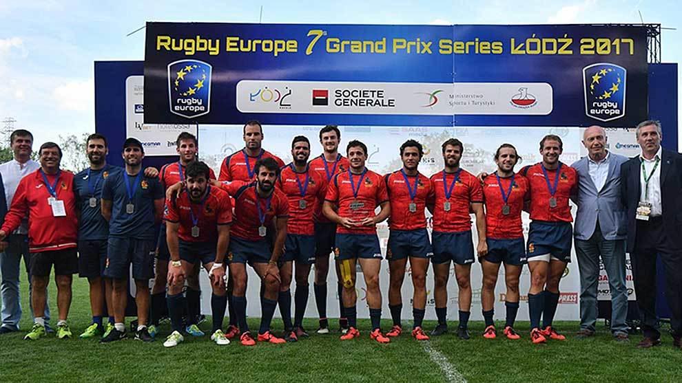 La selección española de Seven con la medalla de plata tras el Seven...