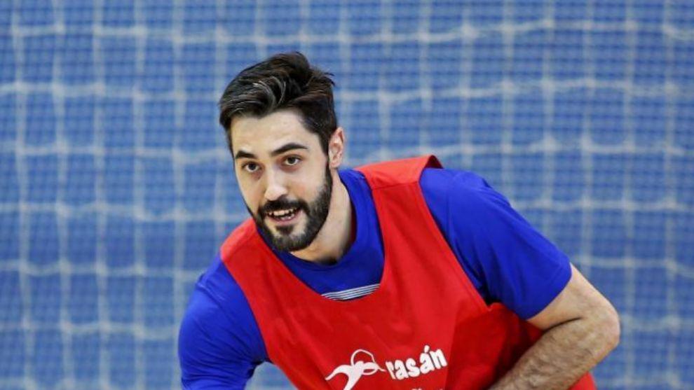 El central del Barcelona y también capitán de la selección...