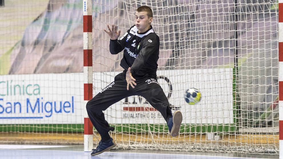 Sergey Hernández durante un partido con el Anaitasuna