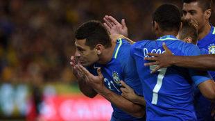 Souza celebra su gol.