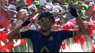 Larry Warbasse celebra su incre�ble triunfo.