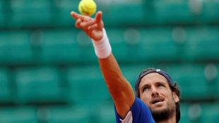 Feliciano L�pez durante un partido en Roland Garros.