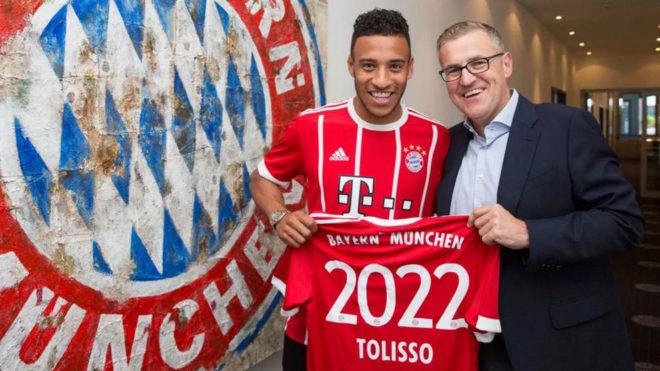 Tolisso posa con la camiseta del Bayern.