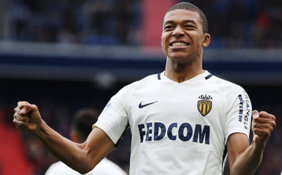 Mbappé celebra con el Mónaco