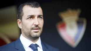 Diego Martínez posa como entrenador de Osasuna