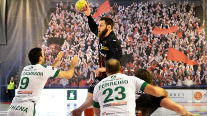 Juan del Arco durante un partido entre el Ivry y el Nimes