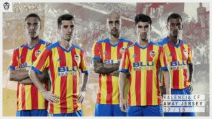 Imagen del dise�o de la camiseta visitante que el Valencia lucir� la...