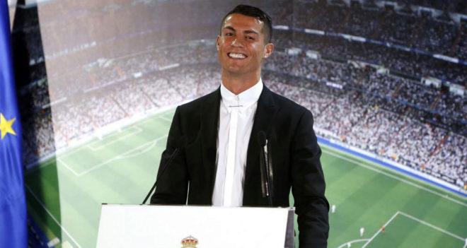 Cristiano Ronaldo, durante su última renovación con el Madrid.