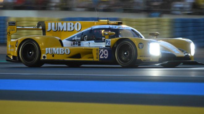 Barrichello, sobre su LMP2 en el circuito de Le Mans.