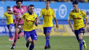 Aketxe, a la izquierda, en un partido contra el Tenerife