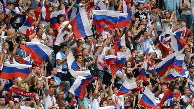 Aficionados de Rusia en el choque ante Nueva Zelanda.