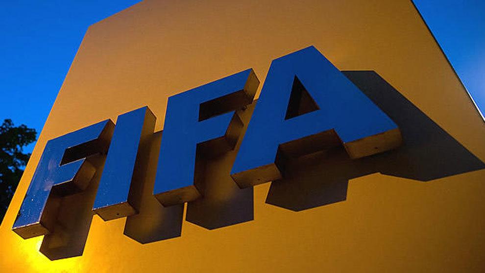 Las 6 normas de la FIFA que revolucionarían el fútbol  gol de castigo y  partidos de 60  eaa266503ff25