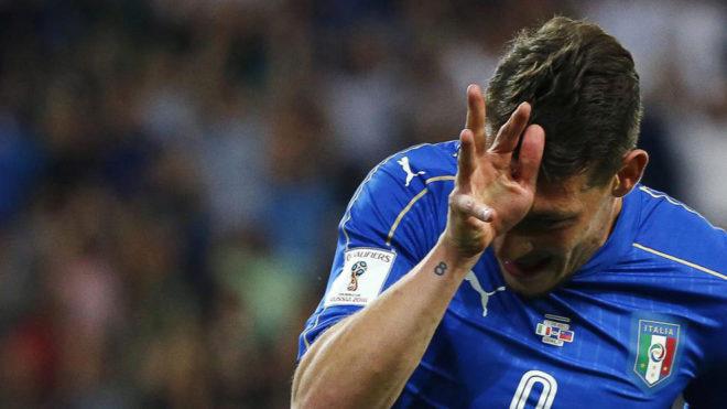 Belotti celebra un gol con Italia.