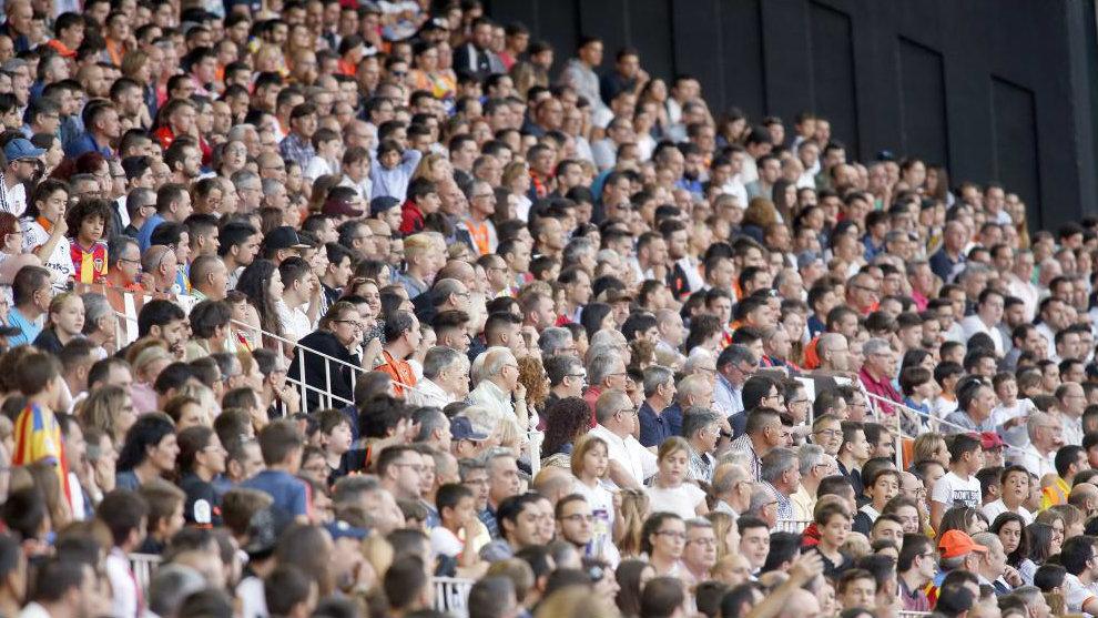 Imagen de la tribuna de Mestalla en un partido reciente del Valencia...