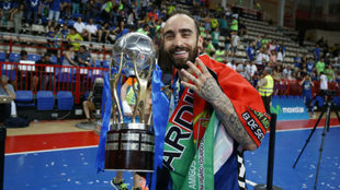 Ricardinho señala las cuatro Ligas que ha ganado con el Movistar...