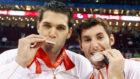 Felipe y Rudy con la medalla de plata de los Juegos de Pek�n