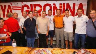 Acto de reinauguración de la Peña Gironina con los jugadores Eloi y...