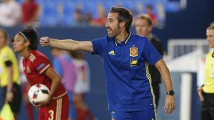 Jorge Vilda durante un partido con la selección española