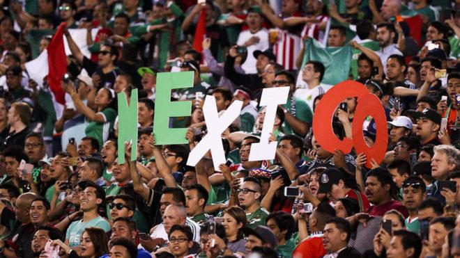 La afición mexicana durante el partido del México vs Estados Unidos.