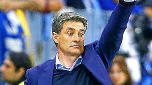 Míchel (54), durante un partido.
