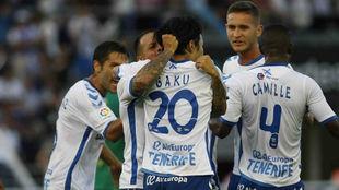 Celebración de los jugadores del Tenerife por el paso a la final de...