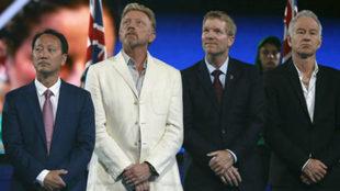 Boris Becker, segundo por la izquierda, este mismo a�o en Melbourne.