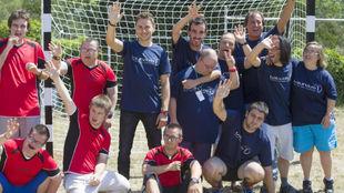 Lorenzo y Masfurroll, con los integrantes del proyecto Taller Jeroni...