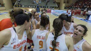Las chicas de la selección española quieren seguir con un torneo...