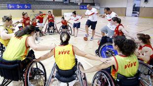 La selección española durante un entrenamiento.