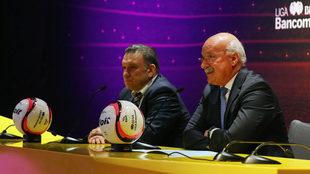 Enrique Bonilla, en presentación del nuevo balón de la Liga MX.