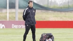 Rubi, en Mareo, durante un entrenamiento del Sporting esta temporada