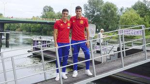 Mikel Merino y Rodri posan para MARCA.