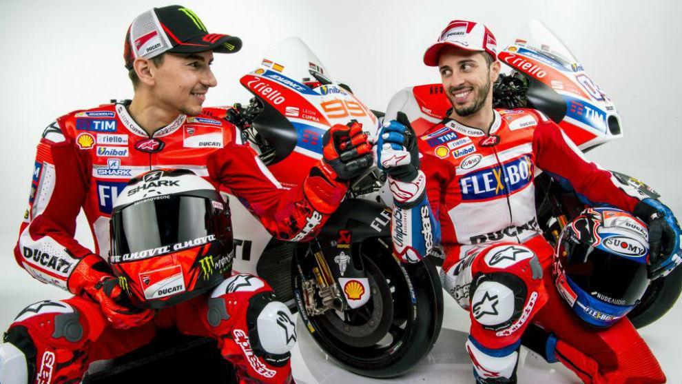 Lorenzo y Dovizioso en la presentación de Ducati