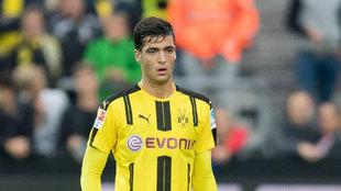 Mikel Merino, durante un partido con el Borussia Dortmund