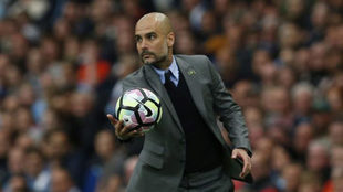Guardiola, durante un partido del City