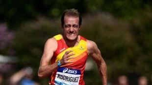 Ángel David Rodríguez en una prueba de 100 metros