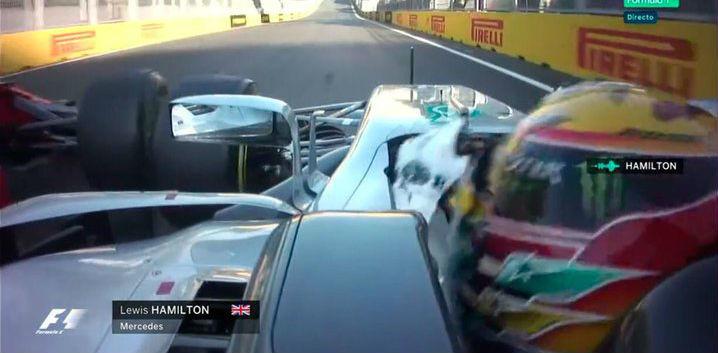 Momento en el que Vettel se iguala a Hamuilton con 'safety car' y le...